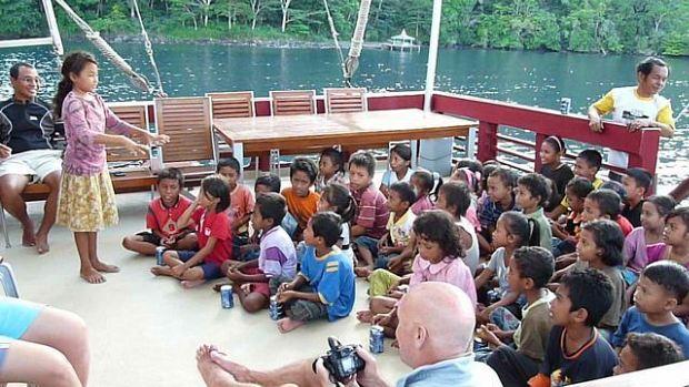 Banda school children on board the Seven Seas