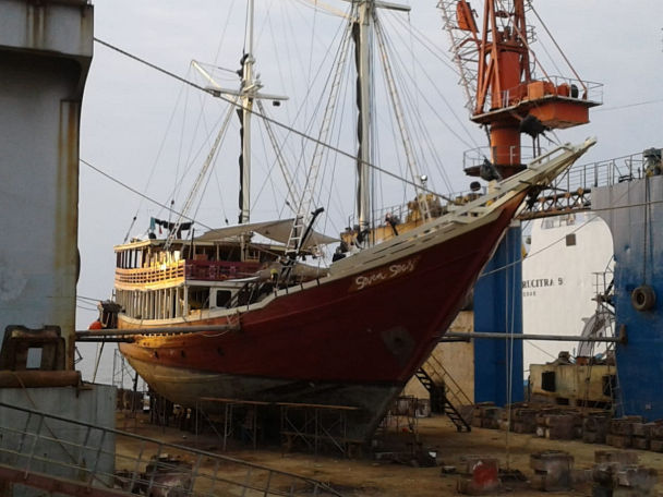 Seven Seasin dry dock