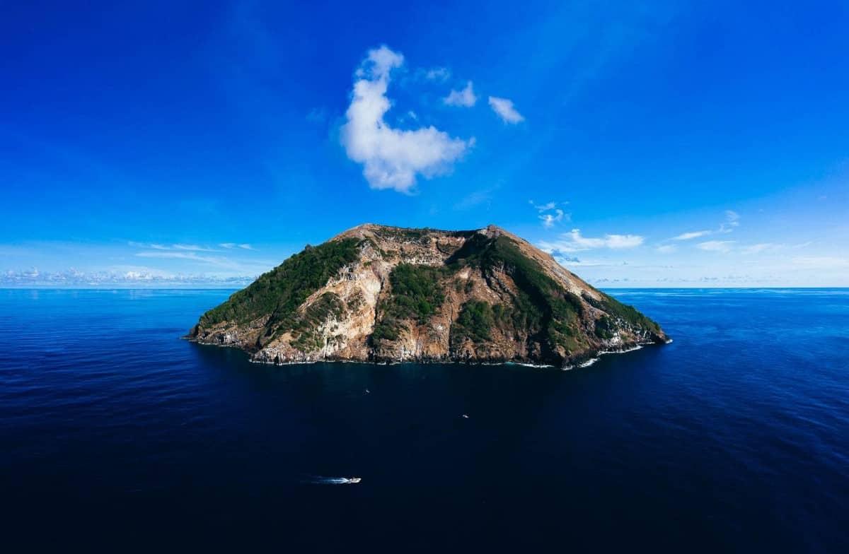 Manuk Island