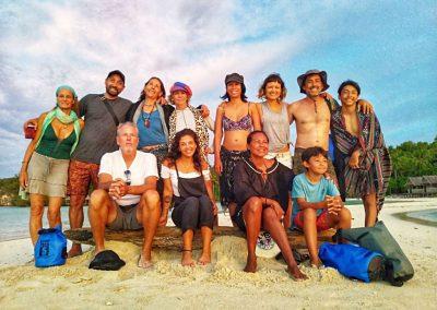 Family & friends for sunset beach @ Yenbuba